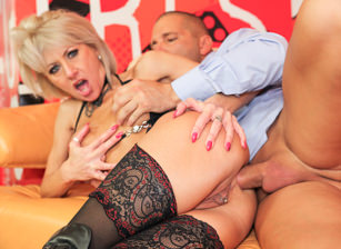 Anal Cougars, Scene #03